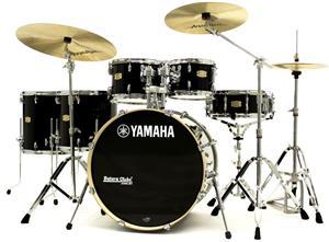 "Bateria Yamaha Stage Custom Birch Raven Black Lacquer 22"",10"",12"",14"",16"" com Ferragens"