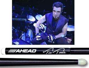 Baqueta Ahead Drumsticks Signature Tico Torres Bon Jovi (Padrão 5B Comprida) Poliuretano e Alumínio