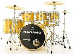 "Bateria Nagano Concert Full Lacquer Birch Natural Gold 22"",8"",10"",12"",14"",16"" com Peles Double Ply"