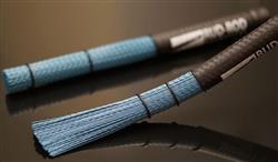 Vassourinha de Cajón Rud-Rod Cajón Sticks Cerdas em Nylon e Cabo Emborrachado