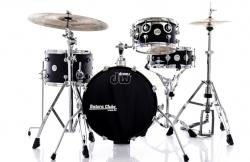 "Bateria DW Design Series Maple Mini Pro Black Satin Compacta Bumbo 16"" e Caixa (Shell Pack)"