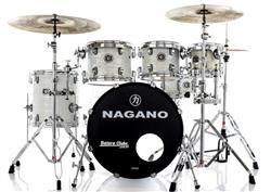 "Bateria Nagano Concert Celluloid Birch Brooklin White 20"",8"",10"",12"",14"" com Kit de Ferragens"