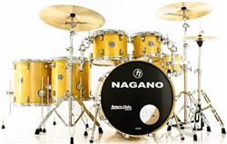 "Bateria Nagano Concert Full Lacquer Birch Natural Gold 22"",10"",12"",14"",16"" com Peles Double Ply"