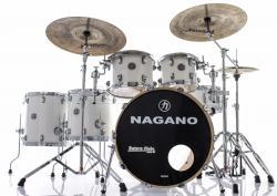 "Bateria Nagano Concert Full Lacquer Pure White 22"",10"",12"",14"",16"" com Kit de Ferragens"