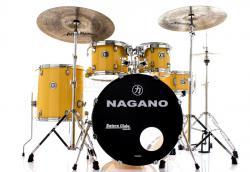 "Bateria Nagano Garage Rock Yellow Race 22"",10"",12"",16"" com Peles Hidráulicas e Banco"