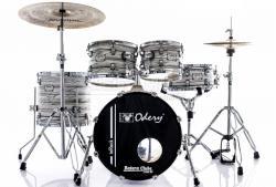 """Bateria Odery inRock IR.81 White Mist Jazz com Bumbo 18"""",10"""",12"""",14"""" com Ferragens e Banco"""