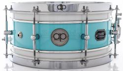 "Caixa AP Drums Inox Blue Olive White Chrome Stripe 13x7"" Limited com Aros High Hoop Vintage 2.7mm"