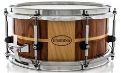 """Caixa Giardina Custom Drums Maple Pau-Ferro Stripe Lacquer 12x5,5"""" com Anel de Reforço"""