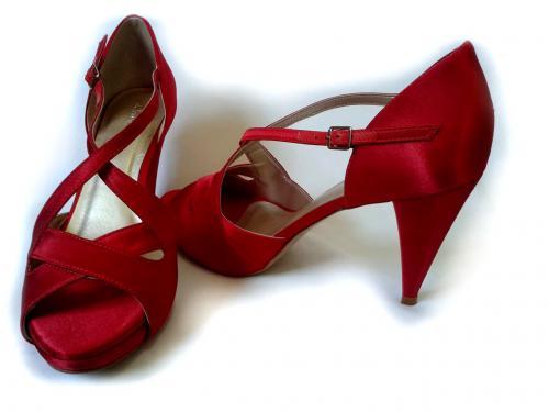 73dc8787e2 Sandália Salto Lara 9cm Cetim Vermelho (NÚMERO 37 À PRONTA ENTREGA ...
